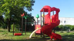 Seria Dżungla zawiera wiele elementów, które można w rożny sposób ze sobą łączyć. Tak, aby zabawa nigdy się nie kończyła! W serii Dżungla dzieci znajdą wiele motywów roślinnych i zwierzęcych.  http://spil.pl/plac-zabaw-seria-dzungla-symbol-14002/