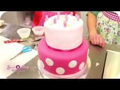 Hochzeitstorte mit Erdbeeren backen   Sweet & Easy - Enie backt   sixx - YouTube