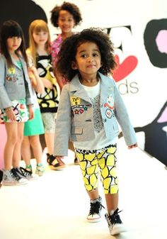 Srsly DVF for Gap ? I so wish I was 5 again. Gap Kids, Kids Girls, Molly Sims, Milla Jovovich, Striped Blazer, Summer Kids, Signature Style, Printed Leggings, Kind Mode
