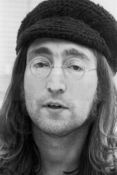 ♡♥John Lennon in 1968 - click on pic to see a larger pic♥♡