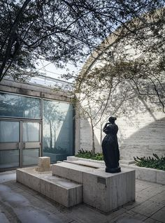 Kimbell Art Museum : Courtyard | Louis Kahn | Photo : Richard Barnes