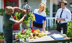 Home & Family - Tips & Products - Make Your Own Autumnal Urn with Ken Wingard | Hallmark Channel
