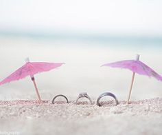 Cute ring picture idea... And great for all the umbrellas I save! :)