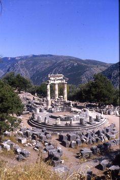 Temple de Delphes. Photo de Joël Robreau.
