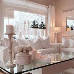 9 Prosperous Tips AND Tricks: Shabby Chic Interior Cafe shabby chic living room on a budget. Romantic Living Room, Shabby Chic Living Room, Cozy Living Rooms, Home And Living, Living Room Decor, Modern Shabby Chic, Living Room Inspiration, Home Decor Inspiration, Casas Shabby Chic
