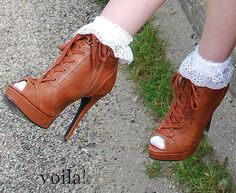 DIY The Fabulosity Factor: frilly socks DIY Socks DIY Clothes DIY Refashion and also I love the shoes <3