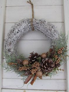 Christmas Flower Decorations, Christmas Floral Arrangements, Christmas Planters, Christmas Ornament Wreath, Christmas Door Wreaths, Diy Christmas Tree, Holiday Wreaths, Mery Crismas, Fall Arts And Crafts