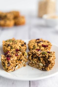 Baked Oatmeal Cups are your healthy, yummy breakfast grab 'n go! Easy to make, vegan, whole-grain, oil-free, and nut-free.