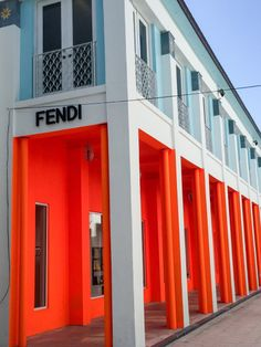 Fendi's Cuban-inspired facade Retail Facade, Shop Facade, Building Exterior, Building Facade, Luxury Store, Facade Design, Big Houses, Interior Architecture, Miami Architecture