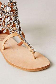 15 increíbles sandalias para tu boda de playa
