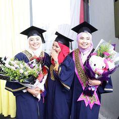 Majlis Konvokesyen: MIRA FILZAH dah Grad!! – Kisah Dunia