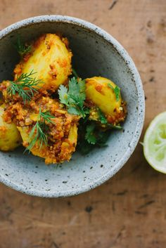 Potato curry recipe - Vegetarian & Vegan Recipes...I can still get my Indian fix without meat, sweet!