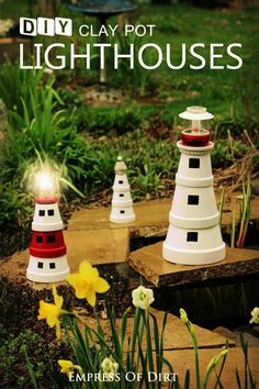 a Garden Art Lighthouse from Clay Pots Make your own decorative lighthouses from clay flower pots. This project is kid-friendly, can be made in an afternoon (plus paint drying time), and is a fun way to create a souvenir. Clay Flower Pots, Flower Pot Crafts, Clay Pot Crafts, Diy Clay, Clay Pots, Garden Crafts, Garden Projects, Garden Ideas, Clay Pot Lighthouse
