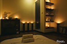 A sala Kerala poderá ser preparada para a sua massagem em marquesa ou em tatami, conforme a sua preferência. Desfrute da sensação única de uma massagem oriental nos nossos spas em Picoas, Rato ou em Belém. www.float-in.pt