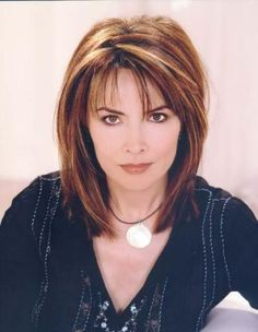 Kate On Days of Our Lives Hairstyle