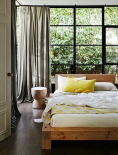 bedroom with a back garden #decor #bedroom #quartos