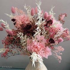 Bouquet fleurs séchées Palerme bouquet de image 1 Dried Flower Bouquet, Dried Flowers, How To Preserve Flowers, Bride Bouquets, Real Flowers, Rose Buds, Belle Photo, Decoration, Floral Wreath