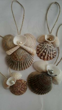New (never used), Cut shells, Shell Wreaths, Animal Shells all Hand made. Seashell Art, Seashell Crafts, Seashell Christmas Ornaments, Seashell Projects, Shell Decorations, Sea Crafts, Holiday Crafts, Sea Shells, Handmade