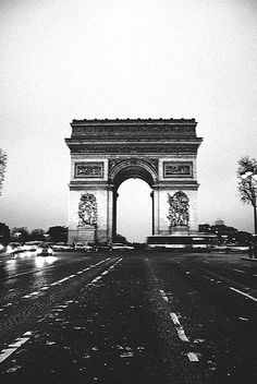 Arc de Triomphe, Paris.  perfect for my idea of a hallway lined with black and white photos of famous cities!
