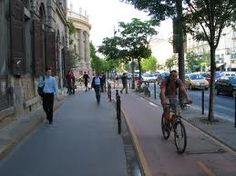 Separated cycle lane