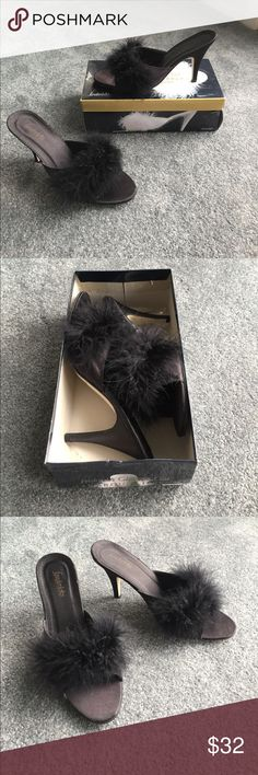 Fredericks of Hollywood bedroom Heels / Slippers Beautiful, elegant, sexy bedroom heels/slippers that would look great with your lingerie. Black with feathers. Excellent condition! Frederick's of Hollywood Shoes Heels