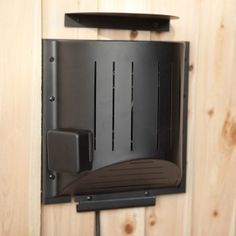 Hound Heater Dog House Furnace http://www.doghouses.com/accessories/cooling-and-heating/houndheaterdoghousefurnace.cfm