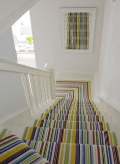 Stylish stair carpet ideas and inspiration. So you can choose the best carpet for stairs.Quality rug for stairs, stairway carpets type, etc. Striped Carpets, Striped Rug, Staircase Runner, Escalier Design, Diy Design, Interior Design, Design Ideas, Hallway Carpet Runners, Stair Runners