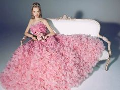 Fashion Express: Floral gown #fashion #fashionicons #fashionistas #fashionblog #fashionblogger #style #photo #photooftheday #fashiontips #fashionshare #floral #shows #gown #floraldress
