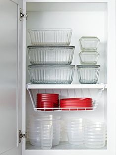 Genius Food Storage Container Hacks Storage and Organization There are a lot of Genius Food Storage Container Hacks out there and I have to admit that there is no need to be envious of them. They're probably fou. Large Food Storage Containers, Plastic Container Storage, Container Organization, Organization Ideas, Storage Ideas, Lid Storage, Tupperware Storage, Tupperware Organizing, Kitchen Cupboard Organization