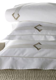 DUC Duc's bold geometric design is at once contemporary and nostalgic, an echo of Deco. Shown here with a hand-quilted silk coverlet in our Waves pattern. Linen Duvet, Bed Linen Sets, Surfing Lifestyle, Red Sheets, Embroidered Bedding, Cheap Bed Sheets, Bed Linen Design, Bedding Sets Online, Fine Linens