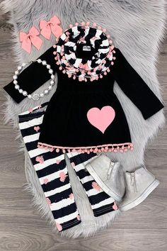 Black/white stripe pink heart scarf set - Susann Bär - Pin To Travel Dresses Kids Girl, Little Girl Outfits, Kids Outfits Girls, Toddler Girl Outfits, Cute Outfits, Girls Shoes, Baby Girl Fashion, Toddler Fashion, Kids Fashion