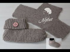 DIY knitting for beginners I knit simple slippers I knit socks I K . - Sarah DIY knitting for beginners I knit simple slippers I knit socks I K . Diy Knitting For Beginners, Knitting Videos, Easy Knitting, Knitting Socks, Learn To Crochet, Easy Crochet, Free Crochet, Crochet Hats, Left Handed Crochet