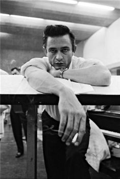 dailydoseofawesomeness-kf:    Johnny Cash - amazing style, effortless cool…original American BadAss