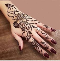 Mehndi henna designs are always searchable by Pakistani women and girls. Women, girls and also kids apply henna on their hands, feet and also on neck to look more gorgeous and traditional. Latest Henna Designs, Simple Arabic Mehndi Designs, Henna Tattoo Designs Simple, Henna Art Designs, Mehndi Design Photos, Mehndi Simple, Beautiful Mehndi Design, Latest Mehndi Designs, Mehndi Designs For Hands