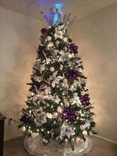 2017 Christmas Tree Flowers, Christmas Star Decorations, Purple Christmas, Christmas Tree Design, Christmas Makes, Christmas Art, Holiday Crafts, Christmas Holidays, Christmas Wreaths