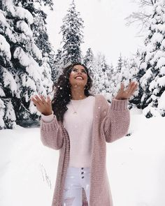 super Ideas for fashion photography ideas winter snow Winter Instagram, Photo Instagram, Disney Instagram, Instagram Christmas, Snow Photography, Fashion Photography, Photography Ideas, Clothing Photography, Product Photography