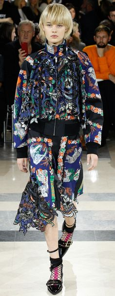 Sacai Collection Spring 2016 Ready-to-Wear Spring Summer 2016, Japanese Fashion, Catwalk, High Fashion, Sportswear, Ready To Wear, Cool Outfits, Style Inspiration, Couture