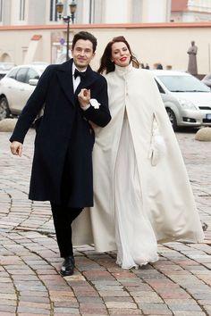 A coat for cold autumn weddings. Kristina Kalinauskaitė ir Andrius Sergejenko Wedding//