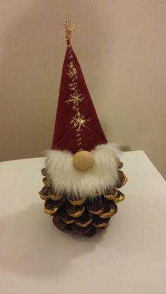 20 christmas gnome ornaments a quick, adorable craft 00012 * kebun. Christmas Gnome, Christmas Sewing, Christmas Art, Christmas Projects, Fun Projects, Christmas Pom Pom, Christmas Kitchen, Gnome Ornaments, Diy Christmas Ornaments
