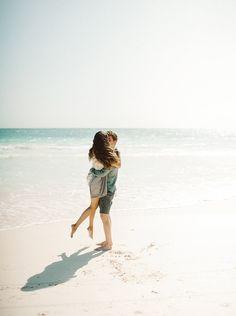 Carefree engagement shoot on the beach. #engagementphotos #engagementshootideas #photography