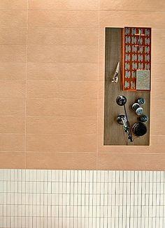 Mutina Ceramiche & Design   Tierras Industrial Tierras Industrial-Mutina-6 , style Designer, Patricia Urquiola, Effet terre cuite, Salle de…