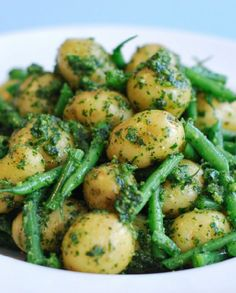 Low FODMAP Recipe and Gluten Free Recipe - Potato and Pesto Salad http://www.ibssano.com/low_fodmap_potato.html