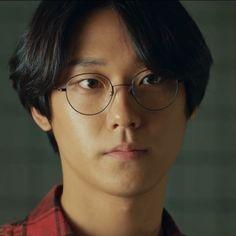 Kdrama, Sweet Home, Korean Drama Best, Lee Hyun, Handsome Korean Actors, Home Icon, Bts Face, Celebs, Celebrities