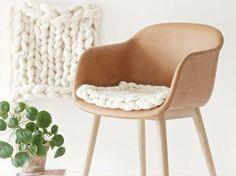 DIY tutorial: Knit a chair cushion via DaWanda.com