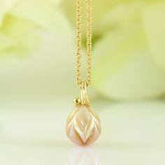 Galleri Castens - Romantic pearl pendant