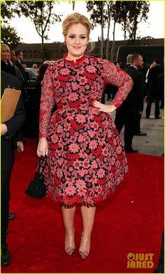 66a765c409217 Grammys 2013  Adele in Pink Floral Valentino Print Dress Vestido Para  Gordinha