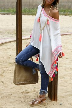 """ : Alice rises up Hippie Outfits, Chic Outfits, Bohemian Chic Fashion, Look Boho, Diy Clothes, Clothes For Women, Casual Looks, Ideias Fashion, Fashion Dresses"