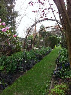 Sakonnet-Gardens-Archway.png 678×908 pixels