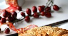 Οι παραλλαγές του πολλές!!!! Πολύπλοκες αλλά και πιο απλές συνταγές για το πιο όμορφο έθιμο των Χριστουγέννων. Ζυμώνεται την παραμονή και αφ... Bread, Cooking, Blog, Bakken, Kitchen, Brot, Blogging, Baking, Breads