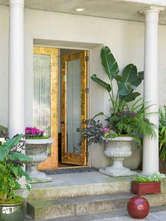 Gold leaf makes a huge impact on these modern French doors.  http://www.hgtv.com/designers-portfolio/room/asian/entryways/2005/index.html#?soc=Pinterest